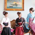 袴姿を楽しむ女性たち|似合う袴とは